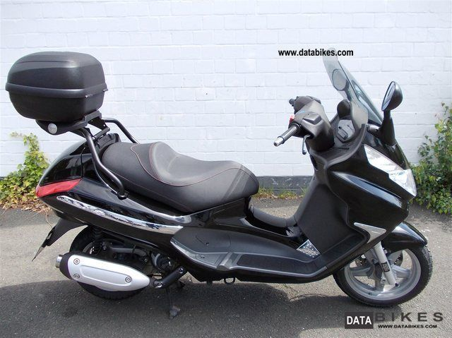 2012 Piaggio  X8 125, with top case Motorcycle Scooter photo