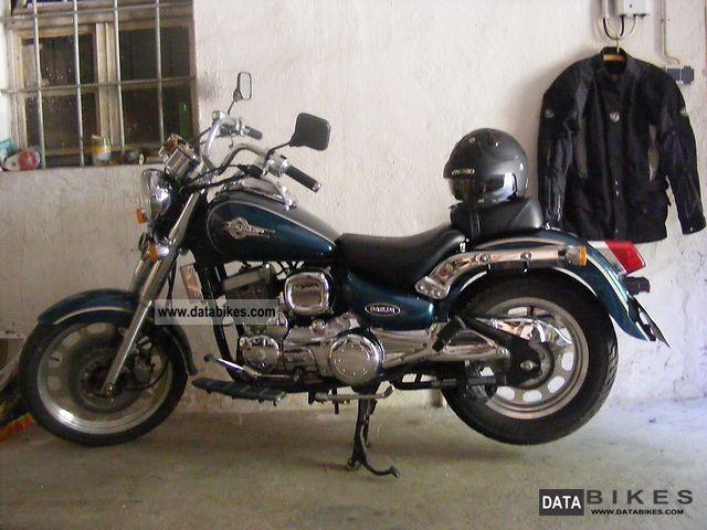 2004 Daelim  VL125E Motorcycle Chopper/Cruiser photo