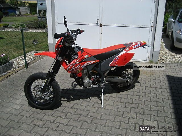 2006 Beta  RR 4 D 525 CC Motorcycle Super Moto photo