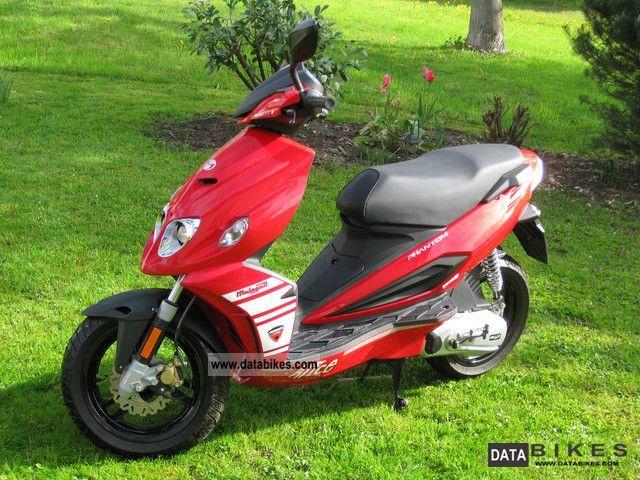 2009 Malaguti  F 12 Motorcycle Motor-assisted Bicycle/Small Moped photo