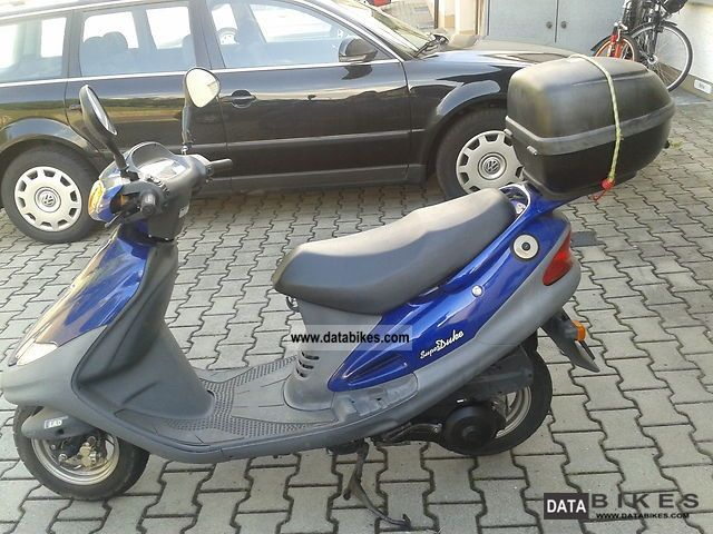 SYM  A125Q2-2 2004 Scooter photo