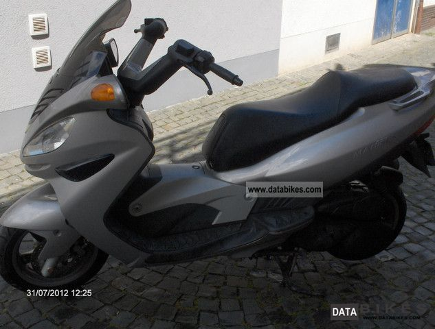 2000 Malaguti  125 madison Motorcycle Scooter photo