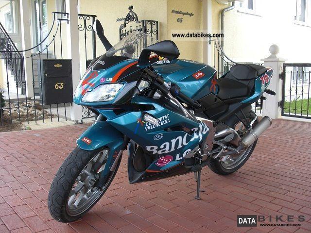 Aprilia  125 RS 2010 Lightweight Motorcycle/Motorbike photo