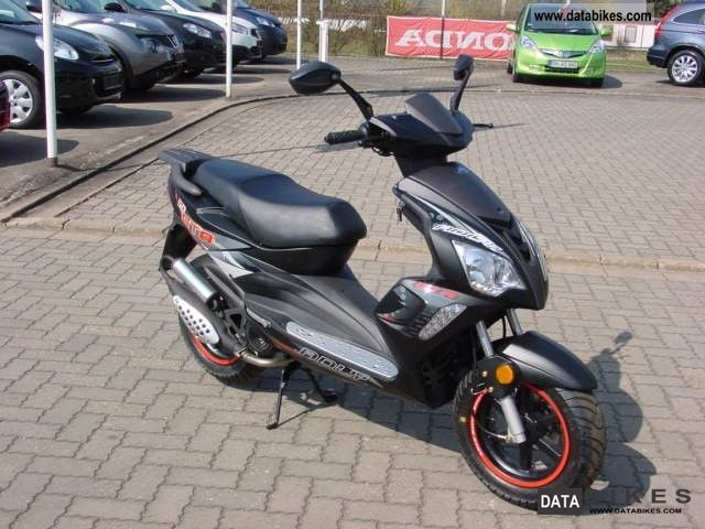 2012 adly hercules blizzard gta 50 moped 25 km h. Black Bedroom Furniture Sets. Home Design Ideas