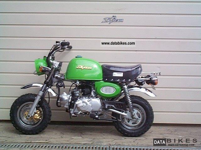 2012 Skyteam ST50-8A Monkey Gorilla green 50 cc