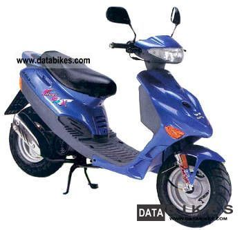 2002 Adly  50 silverfox Motorcycle Scooter photo