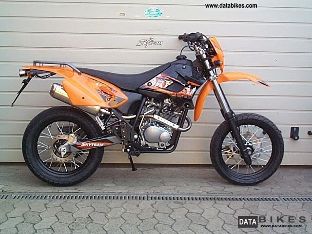 2012 skyteam st 50 3 supermoto 50cc 4 stroke 25kmh. Black Bedroom Furniture Sets. Home Design Ideas