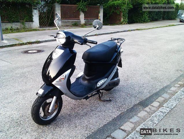 2010 PGO  Ligero Motorcycle Scooter photo