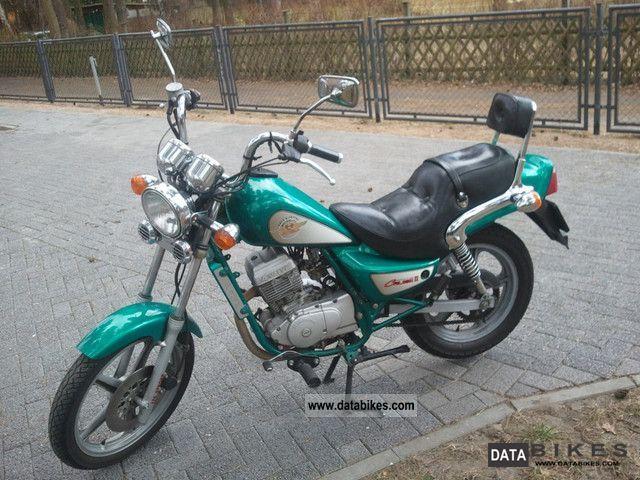 Hyosung Hyosung Cruise II - Moto.ZombDrive.COM