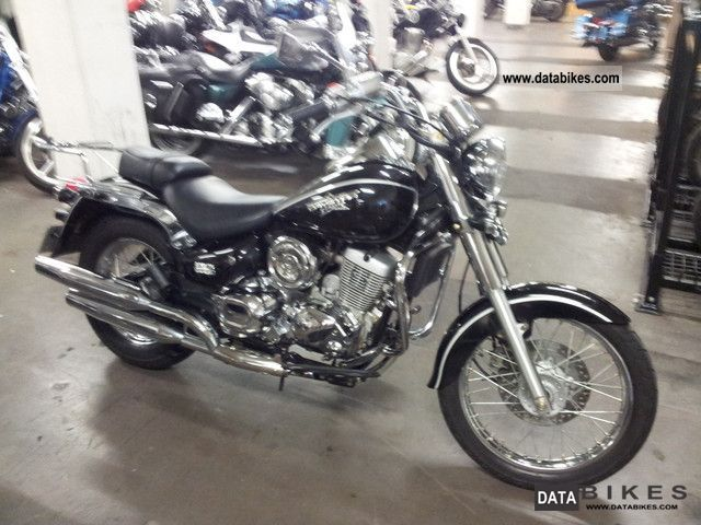 2009 Daelim  125 Daystar fuel injection Motorcycle Chopper/Cruiser photo