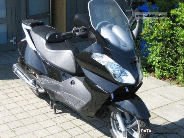 2009 Aprilia  Atlantic 500 Sprint Motorcycle Scooter photo