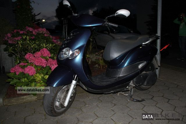 2000 MBK  Doodo Motorcycle Scooter photo