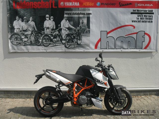 2012 KTM  Super Duke R 990 2012 Motorcycle Naked Bike photo