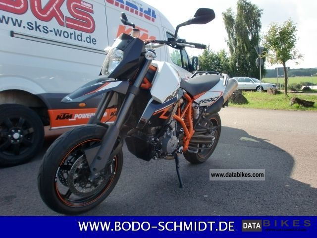 KTM  990 SMR 2012 2012 Super Moto photo