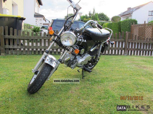 2011 Honda  Dax Motorcycle Lightweight Motorcycle/Motorbike photo