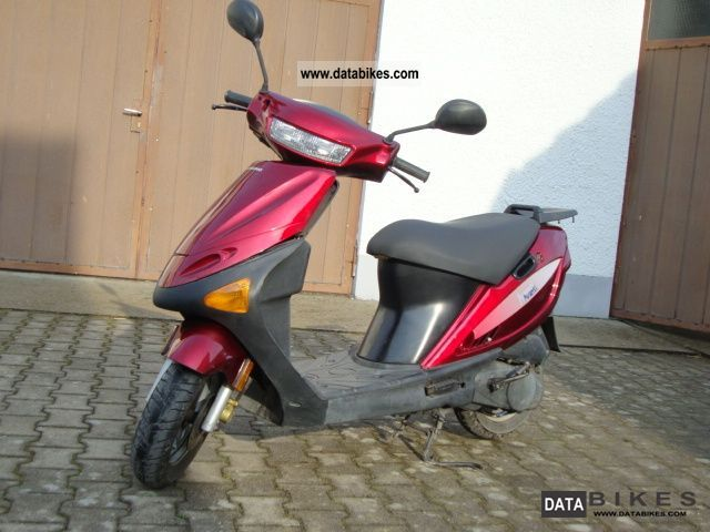 2001 Hyosung  50cc small number plate Motorcycle Scooter photo
