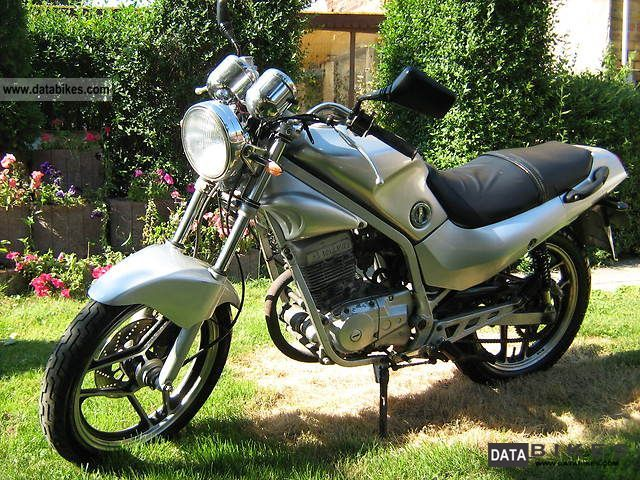 1999 Hyosung  GF 125 Motorcycle Lightweight Motorcycle/Motorbike photo