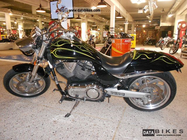 2005 VICTORY  Hammer Motorcycle Chopper/Cruiser photo