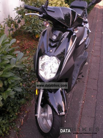2011 SYM  Symlpy 50 Black / Only 800km Motorcycle Scooter photo