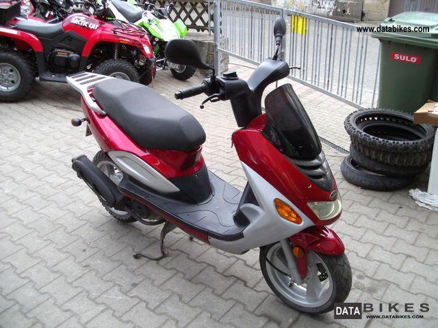 2002 TGB  Pegasus Corona Comfort Motorcycle Scooter photo
