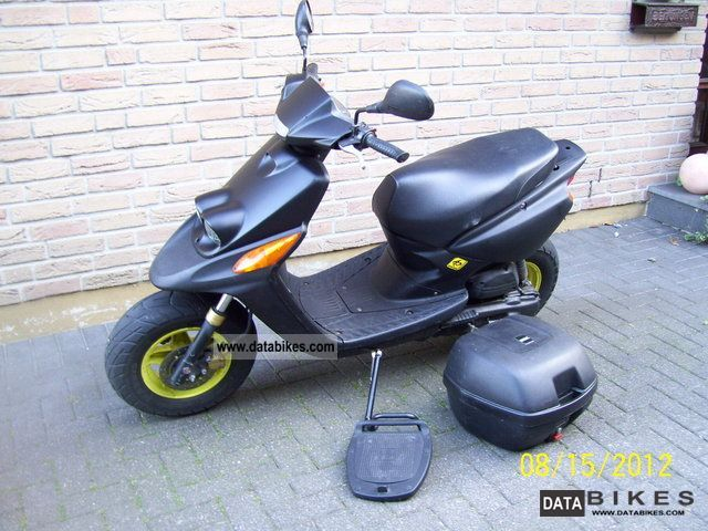 1997 MBK  Booster Motorcycle Motor-assisted Bicycle/Small Moped photo