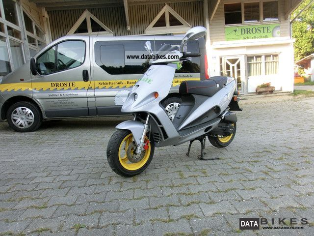 2001 Malaguti  FM 12 cento Motorcycle Scooter photo
