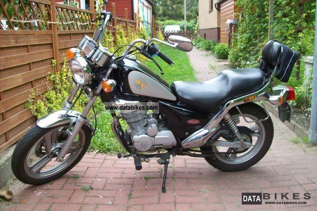 2005 Daelim  VS 125 Motorcycle Chopper/Cruiser photo