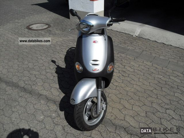 Kymco  Yup 50 2010 Scooter photo