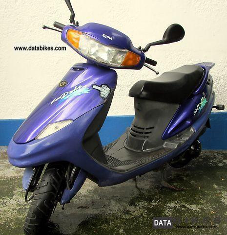 2000 SMC  A125Q2-2 Super Duke 125 Motorcycle Scooter photo