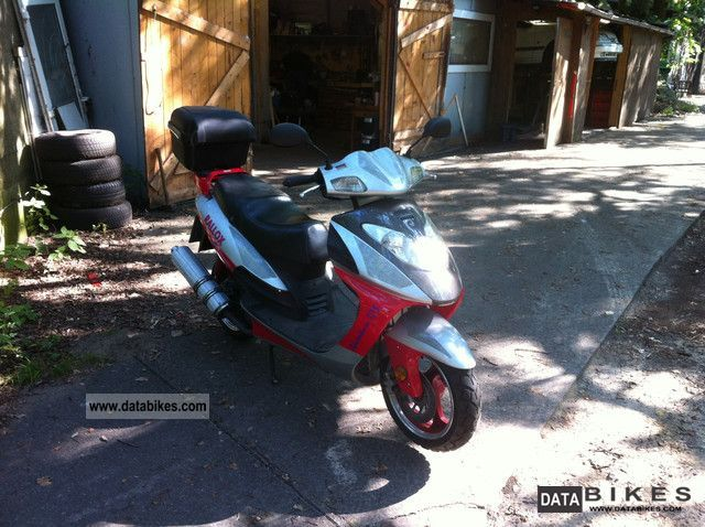 2008 Baotian  RALLOX 125 Motorcycle Scooter photo