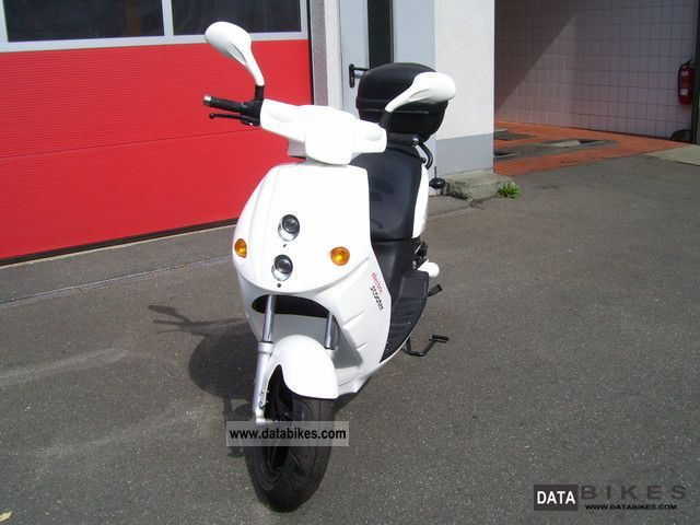 e-max  90 S 2010 Electric Motorcycles photo