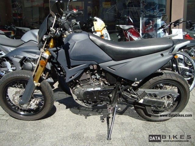 super moto vehicles with pictures page 32. Black Bedroom Furniture Sets. Home Design Ideas