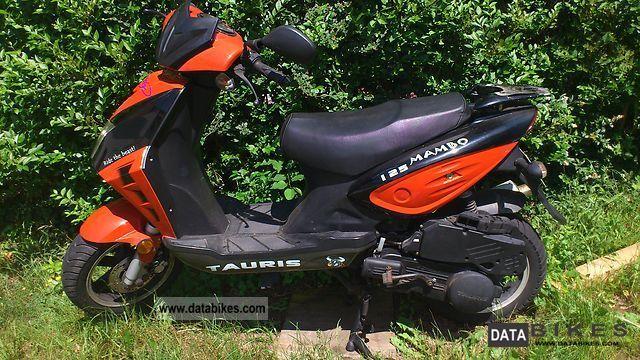2009 Rieju  Tauris mambo 125 Motorcycle Lightweight Motorcycle/Motorbike photo