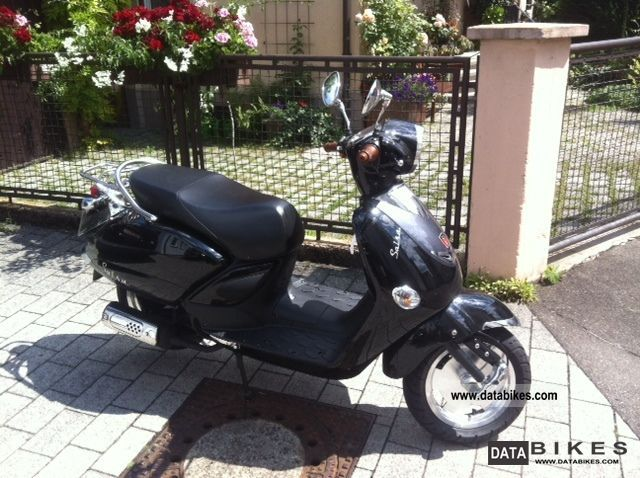 2010 Baotian  Lintex HT125T Salsa Motorcycle Scooter photo