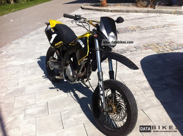 2008 Derbi  sm 125 Motorcycle Super Moto photo