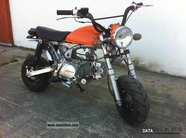 2009 skyteam st 125 monkey 1 hand 0 km tuning conversions. Black Bedroom Furniture Sets. Home Design Ideas