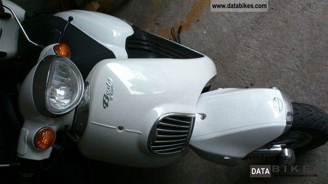 2011 Daelim  Beshbi Motorcycle Motorcycle photo