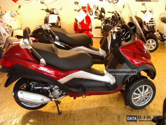 2012 Piaggio  MP3 300LT i.e. Touring car license Motorcycle Scooter photo