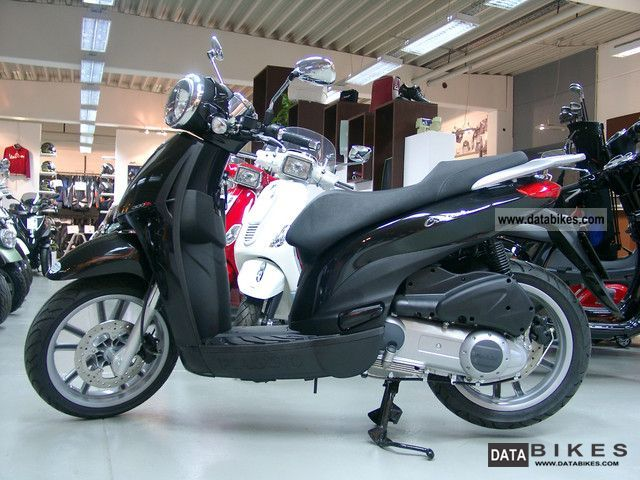 2012 Piaggio  Carnaby 300 i.e. Cruiser projectionist just 300 Km Motorcycle Scooter photo