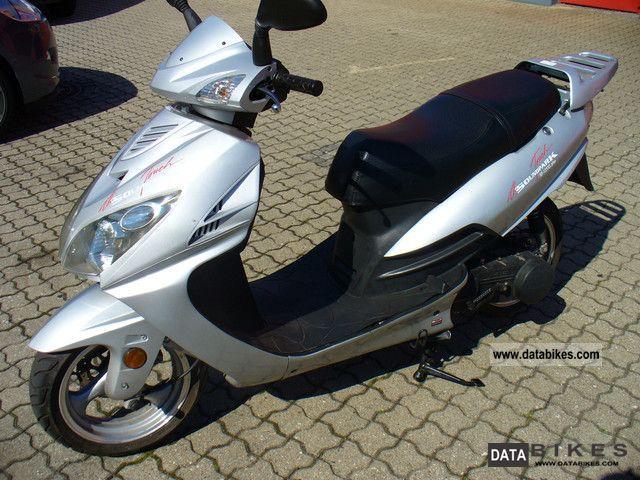 2009 daelim vonroad 125cc scooter. Black Bedroom Furniture Sets. Home Design Ideas