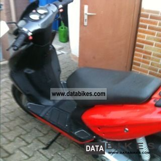 2004 CPI  50c Motorcycle Scooter photo
