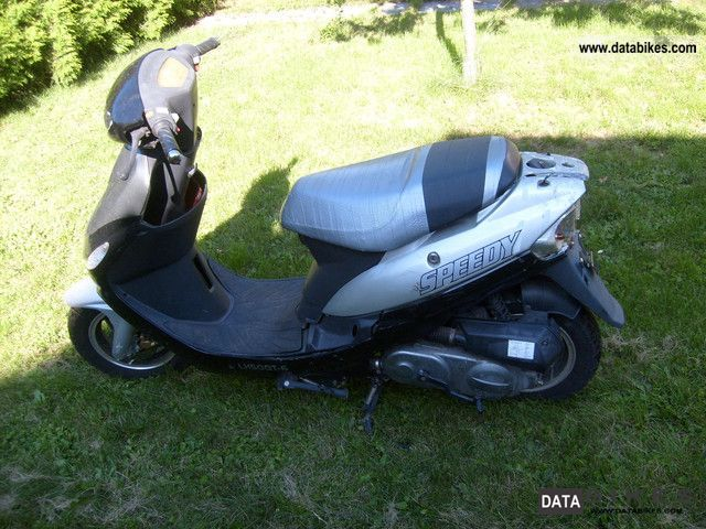 Zhongyu  50's gasoline-4 takter 2006 Scooter photo