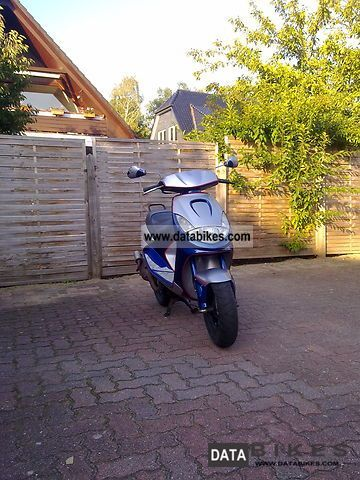 Peugeot  Vivacity 2002 Scooter photo