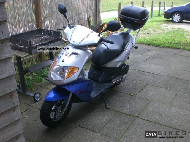 Daelim  S Five 2005 Scooter photo