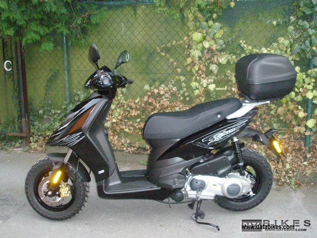 2012 Peugeot  Typhoon 125 4T Motorcycle Scooter photo