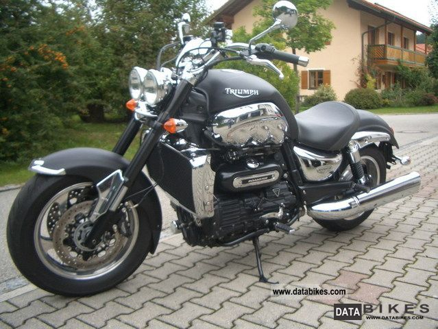 2010 Triumph Rocket Roadster Motorcycle Chopper/Cruiser photo 7