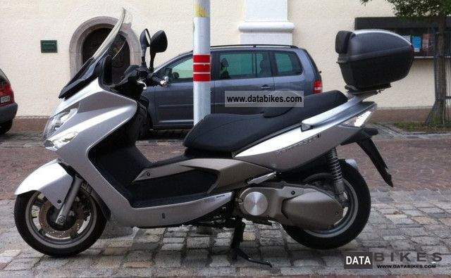2009 Kymco  Xciting 500i Motorcycle Scooter photo