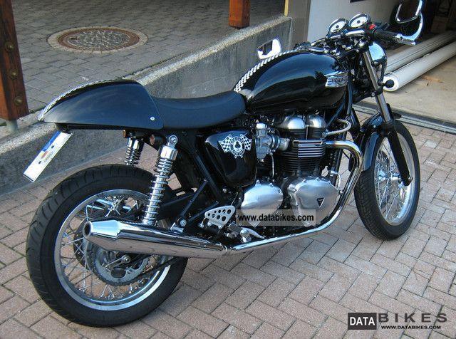 2011 Triumph  Thruxton Motorcycle Naked Bike photo