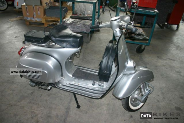 1975 Piaggio  Vespa 150 Super Motorcycle Scooter photo