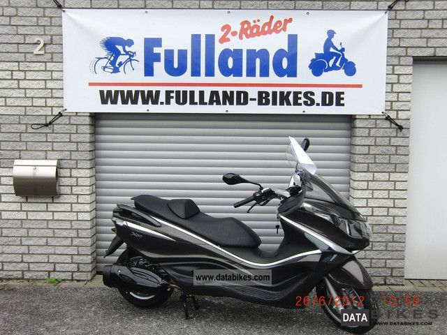 2012 Piaggio  X 125/350/500 10 cash price on request Motorcycle Scooter photo